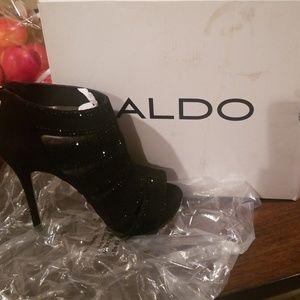 ALDO open toe heels sz.8